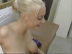 Blonde, Blowjob